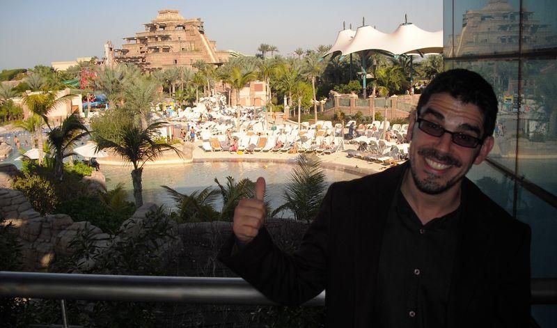 Noel Maurer in Aztecalandia, UAE