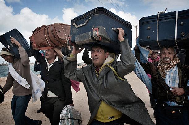 Foreign workers flee Libya
