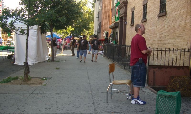 The old neighborhood today, back for the San Gennaro festival --- this is south on Pleasant from the corner of 115th