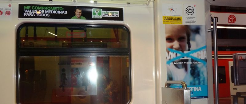 Election ads on the Tren Suburbano