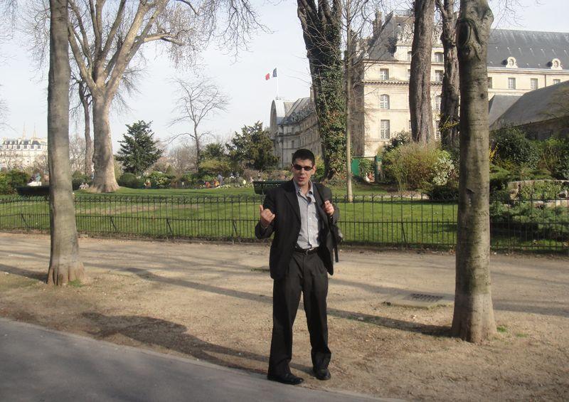 Noel Maurer says vive le article 35 selon les modifications apportées par les réformes constitutionnelles 2008!..
