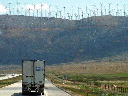 Tehachapi_wind_farm_3_edited
